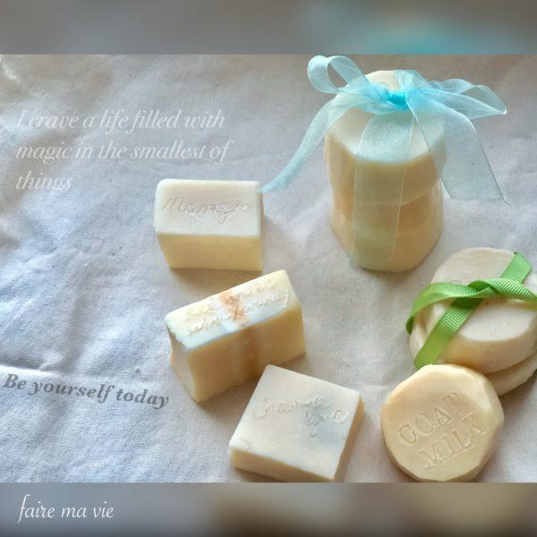 白い手作り石鹸